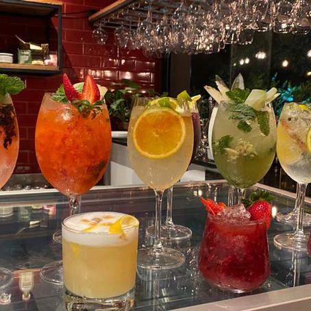 Drinks lindos e deliciosos no Ticiana Werner