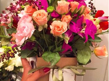 Aprenda a enviar flores usando a Pollen flores online