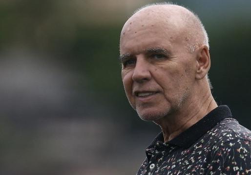 Morre Valdir Espinosa, treinador campeão mundial com Grêmio