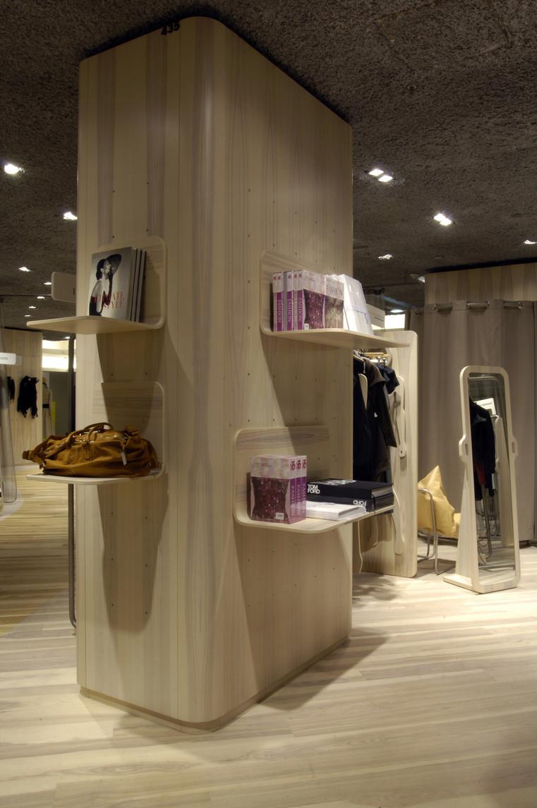 myriam-burnaz_espace-commercial_galeries