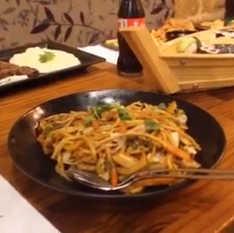 סרטון משפחה בוחרת במסעדת ג'אסיה