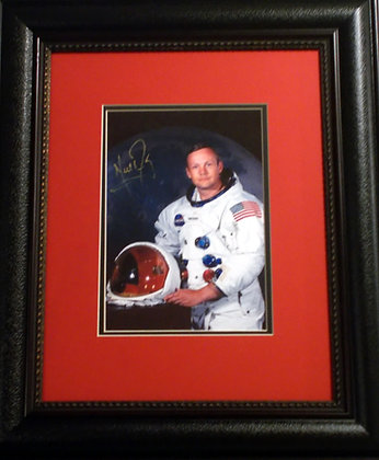 Neil Armstrong autograhed photo