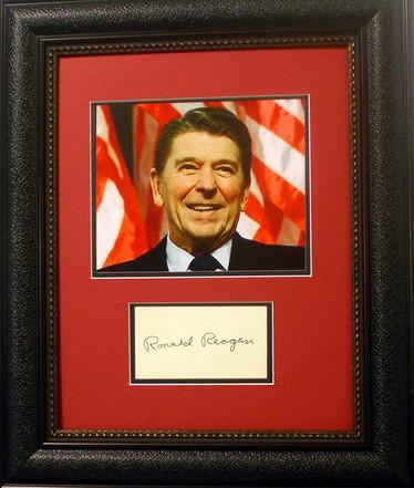 Pres Reagan autograph