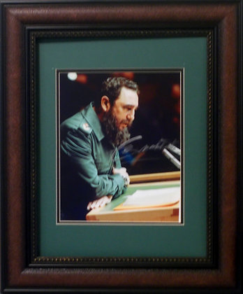 Fidel Castro autographed photo