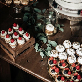 Svatební sweetbar - tartaletky a svatební mini cupcakes