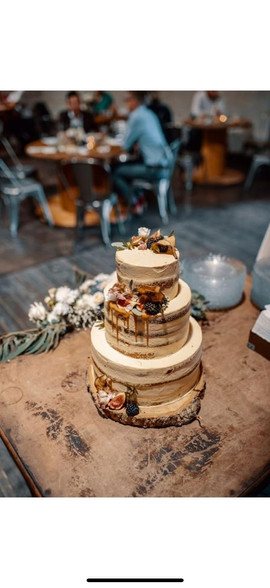 Svatební dort s ovocem