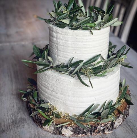 Svatební dort s ovlivovým proutím