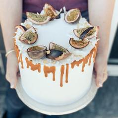 Narozeninový dort s maracujou a polevou