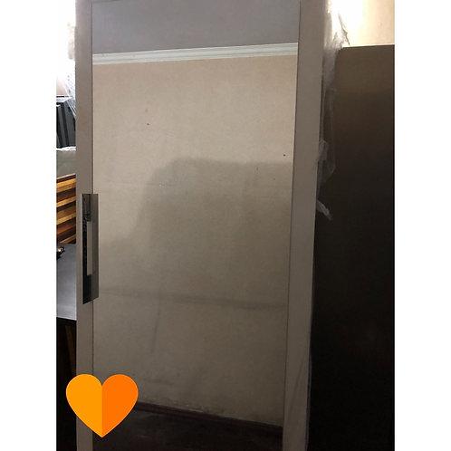 Porta de correr com espelho e rodizio (Disponibilidade: 1 Peça)
