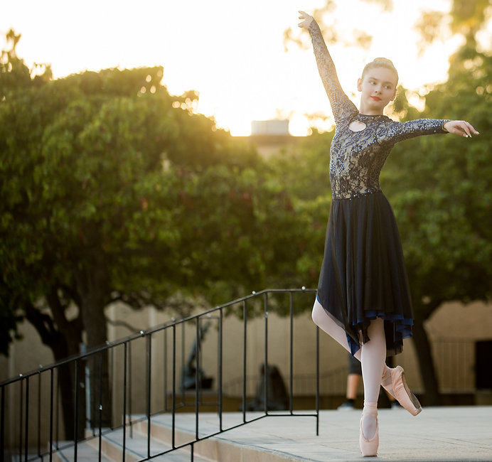 Teen ISB ballet dancer photographed at Balboa Park in San Diego, CA.
