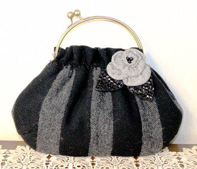 ウールの口金バッグ(黒)