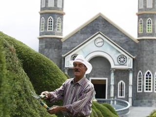 UNESCO le brindará homenaje a escultor despedido por padre de Zarcero