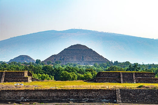 teotihuacan-5038423_1280.jpg