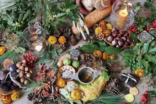 Autumn-Equinox-Altar.webp