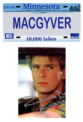 "Photo dédicacée +Plaque immatriculation ""MacGyver"""