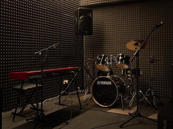Studio - Outrenoir 8,5€