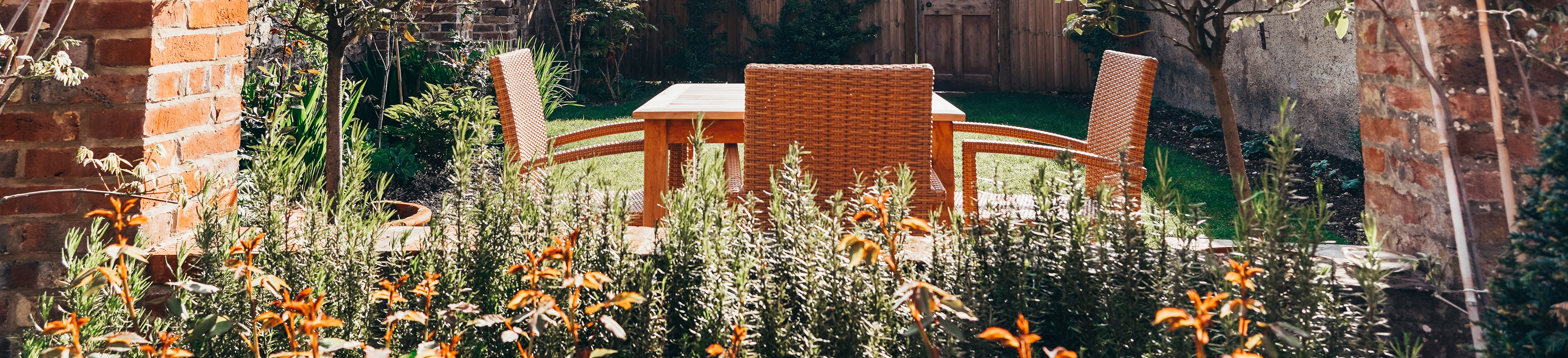 sunny chairs & table