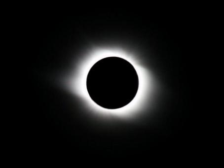 Total Solar Eclipse in Leo 2017