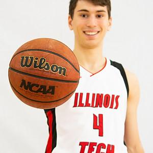 Illinois Tech Men's Basketball Team Photoshoot