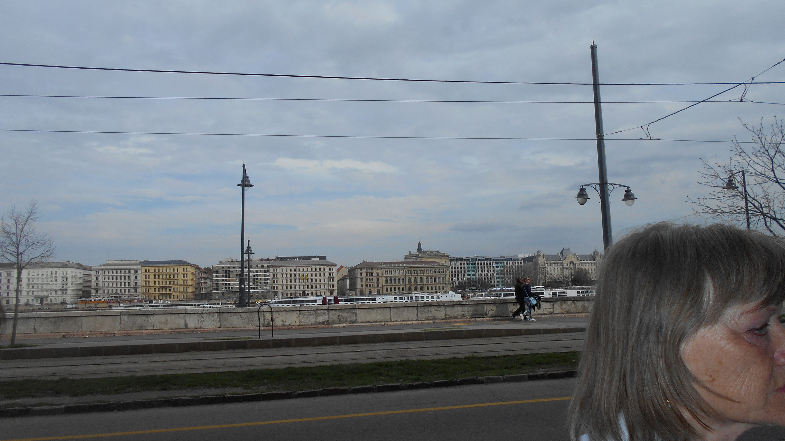 Bem rakpartról a pesti Duna-part