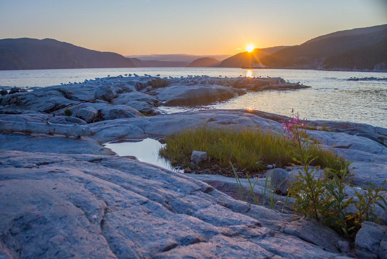 Couché de soleil sur le fjord du saguenay / Sunset over Saguenay fjord