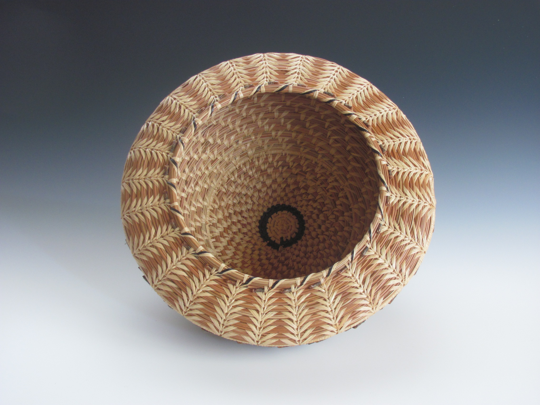 Natural Wheat Stitch Acorn Basket