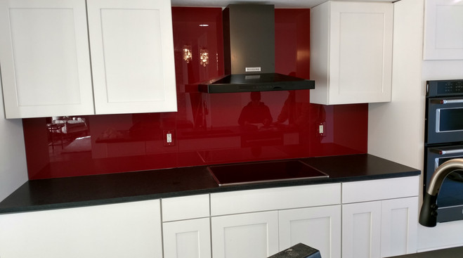 Dreamwalls red painted glass