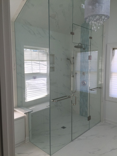 Frameless Enclosure With Staionary and O