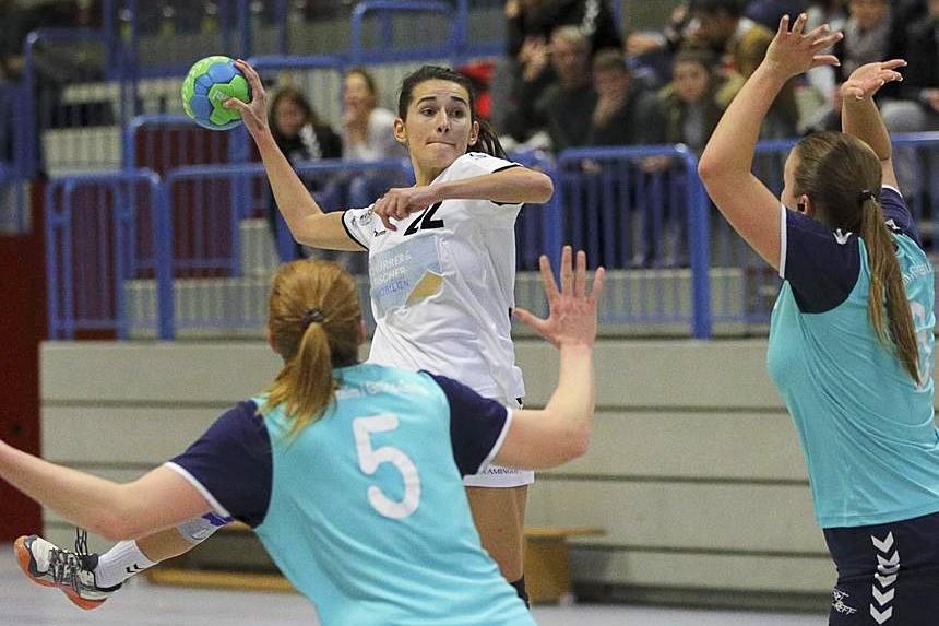 FSG-Spielerin Amina Drekovic, hier beim Wurf, kehrt in den Kader zurück.