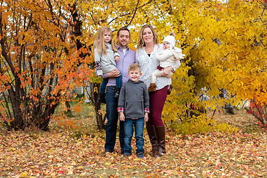 fall family photo in edmonton by alberta family photographer