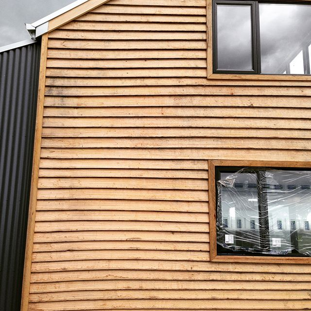 Radial sawn timber weatherboarded with a