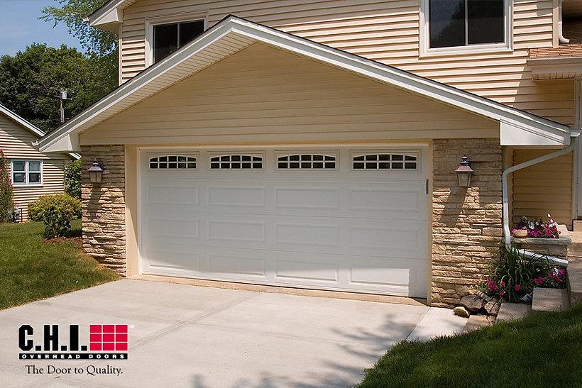 Traditional, Steel, Long Panel Grage Door w/Cascade Windows