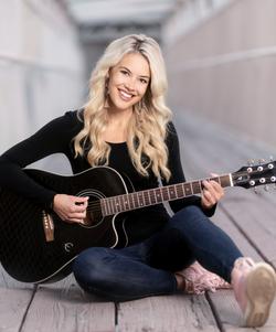 Ella Hartt - Country Music Singer/Songwriter