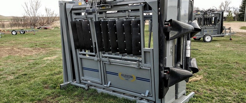 Moly MAnufacturing Silencer Squeeze Chute