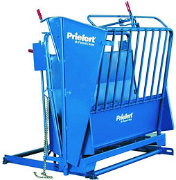 Handle calves with less effort with Priefert's unique two-stage pivot calf table. This makes the process of working calves more efficient and productive.