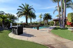 back yard and pool m7
