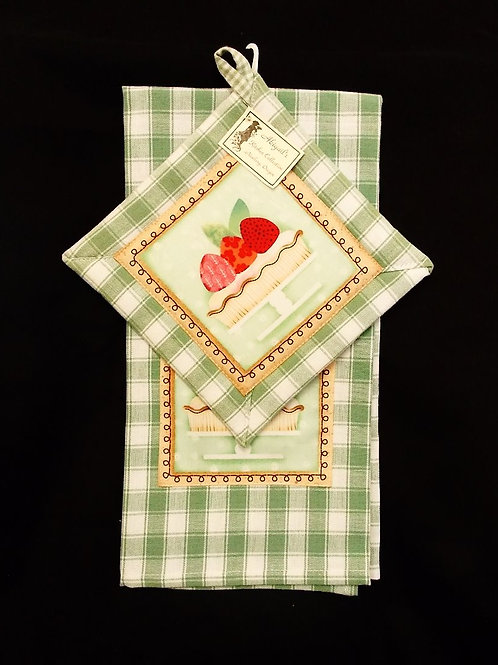 Soft Green Strawberry Towel Set