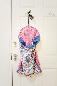 Klassic Karen makes a DIY laundry bag using a pillowcase