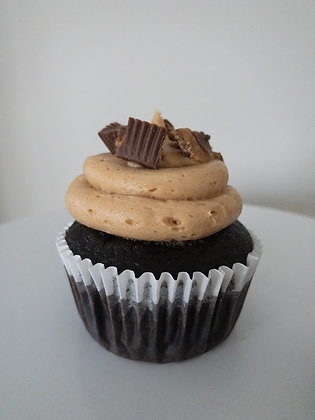 Reese's Cupcake with Peanut Butter Cream Cheese Frosting