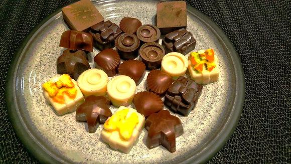 Flavoured dark and white assorted keto, vegan chocolates (12 pcs)