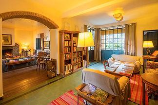 Sala de lectura y living.jpg