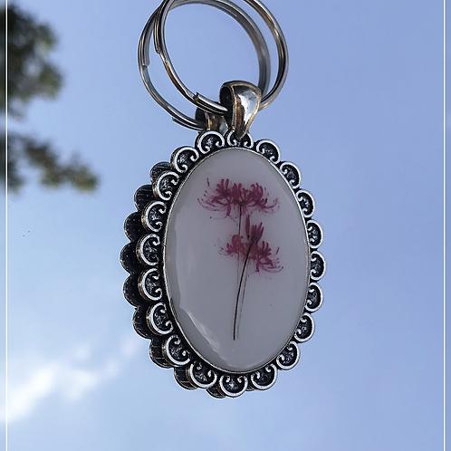 resin charm | vintage pendant