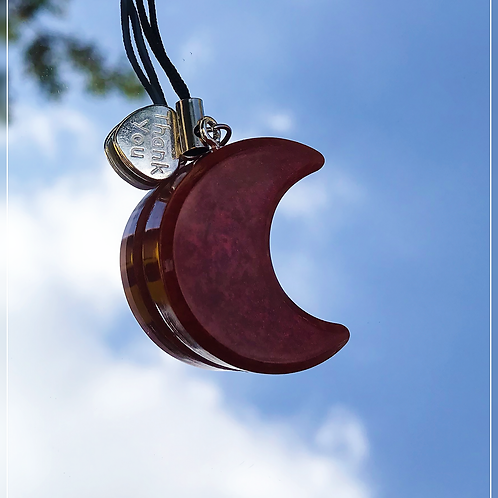 resin charm | red moon