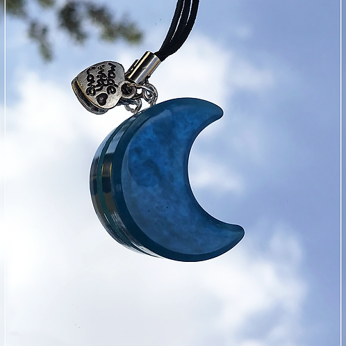 resin charm | blue moon