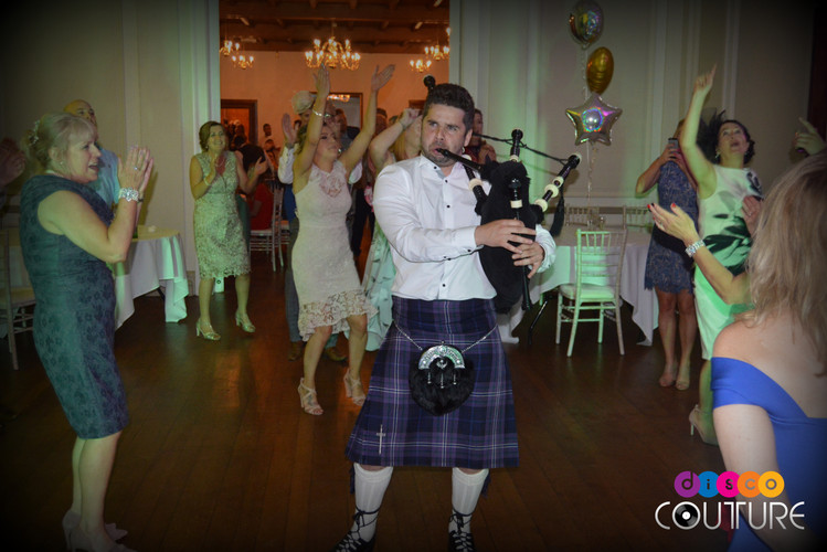 Piper takes the dancefloor at wedding