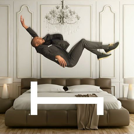 hotelroom_1080x1080_v02_0.jpg