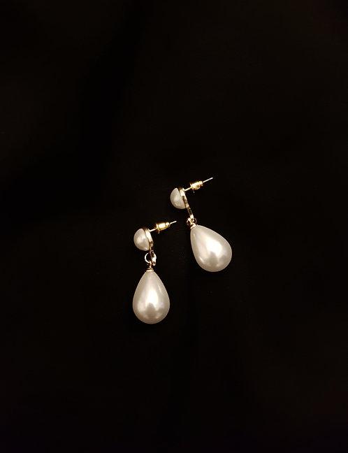 1960s Faux Pearl Tear Drop Earrings