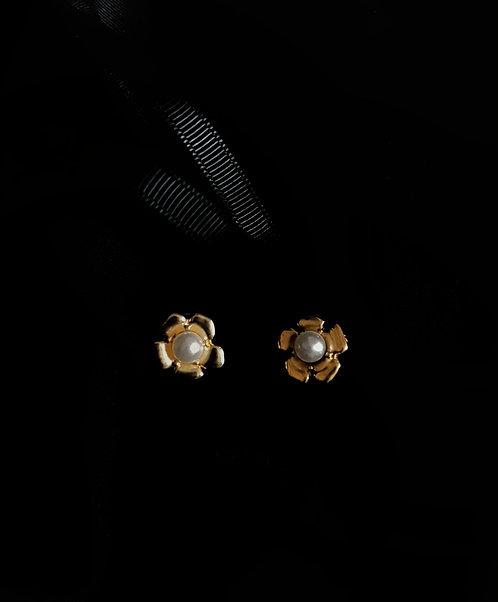 Fleur 1960s Vintage Earrings