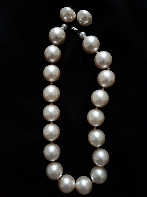 Alice 1950s Large Faux Pearls Necklace and Stud Earrings Set