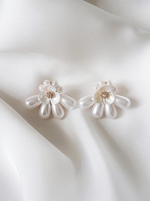 Delphine Pearl Earrings